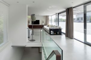 Floating-Amsterdam-home-staircase-from-above
