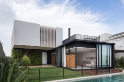 Enseada-House-in-Brazil-architecture-overwall