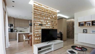 Photo of Fából készült elválasztófal a lakásban