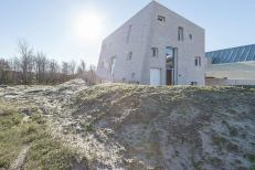 house-as-a-rock-global-architects-5