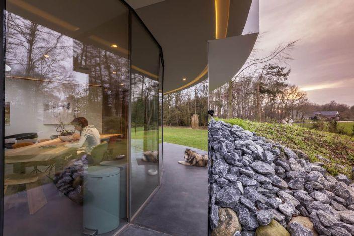 123dv-360-villa-dining-area-with-garden-view-rocks-around