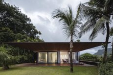 AB-House-large-overhang
