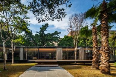C.J.House-glass-pavilion