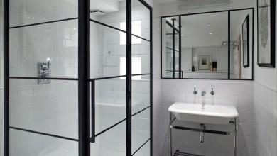Photo of Kortárs fürdőszobák fekete keretes zuhanyzókkal