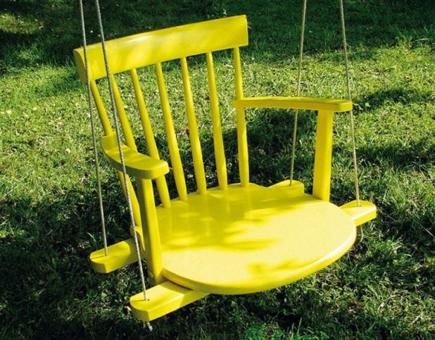 diy-kids-swing-from-an-old-rocking-chair-768x600