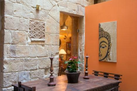 Locanda-La-Gelsomina-decorated-with-antiques
