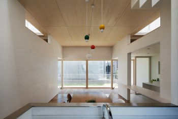Tochigi-house-with-an-open-ground-floor