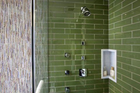 Green-shower-tiles-with-small-niche
