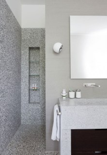 Small-shower-niche-design