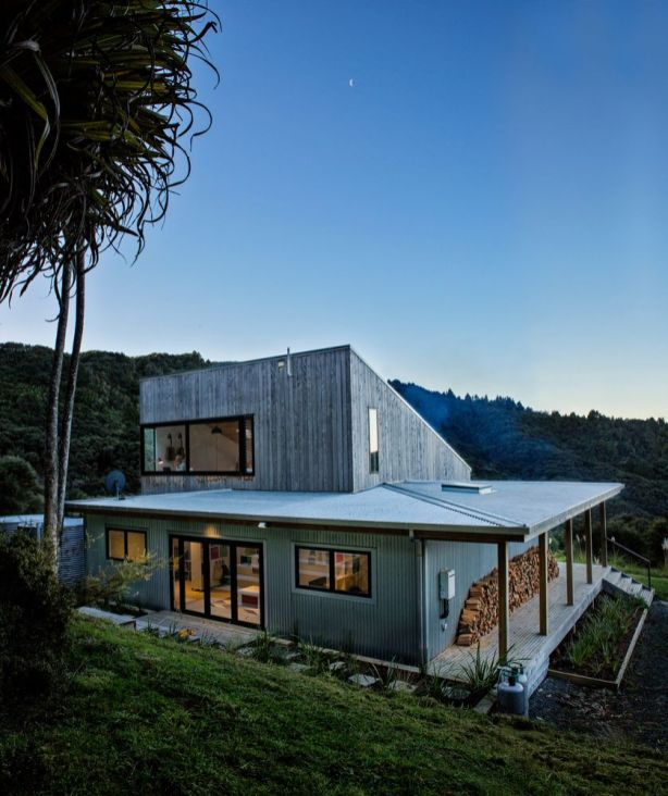 New-Zealand-home-built-with-two-levels
