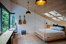 New-Zealand-home-hanging-bed