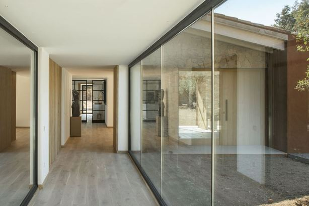 glass-halway-oxygen-house