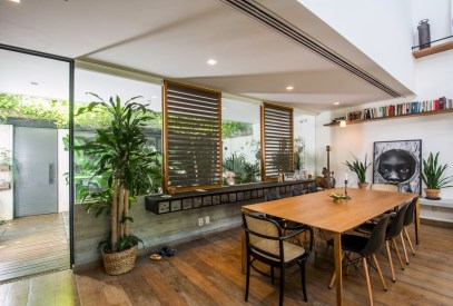 smooth-wood-dining-table-modern
