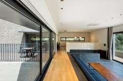 The-Fade-house-features-a-sunken-living-room-with-an-adjacent-terrace