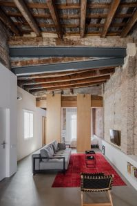 Musico-apartment-exposed-its-ceiling-and-all-the-beams