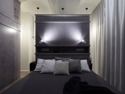 Prague-loft-has-a-cozy-and-relaxing-bedroom-decor