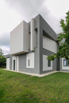 The-Dante-House-has-a-minimalist-exterior-design