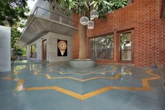 Modern-courtyard