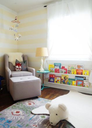 Nursery-room-under-the-window-bookshelf