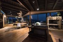 Interior-of-Casa-Gozu-with-a-Colombian-landscape