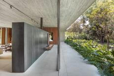 Mi-casa-design-in-Brazil-metallic-accents