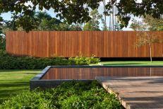 Mi-casa-design-in-Brazil-with-pool