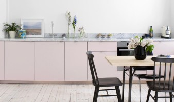 Light-pink-white-kitchen