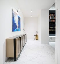 Old-town-aparment-interior-design-hallway-952x1024
