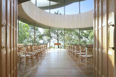 Ribbon-Chapel-Interior-Design