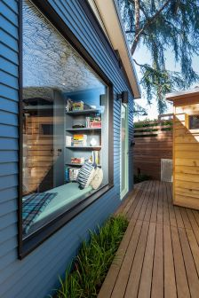 Backyard-Reading-Retreat-Window-Seating