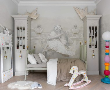 Ballet-themed-wall-mural