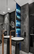 Bathroom-with-copper-accent-33bY-Architecture