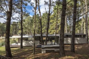 Concrete-forest-House-by-Besonias-Almeida-Arquitectos-Design