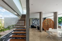 Brazil-Guaica-Residence-rocks-under-the-staircase