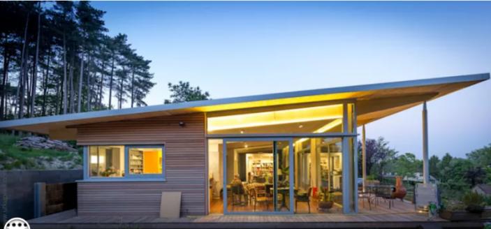 Könnyűszerkezetes moduláris ház 3 elemből építve