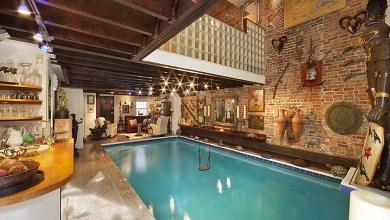 Photo of New York-i villa, óriásmedencével a nappali közepén