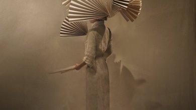 Photo of Mono Giraud túlvilági építészeti jelentőségű ruhái