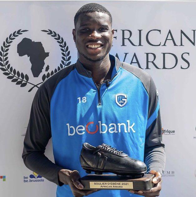 Super Eagles Forward, Paul Onuachu, has won the 2020/21 Ebony Shoe Award in Belgium.