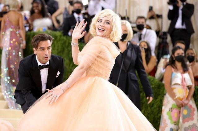 Billie Ellish Stuns In Oscar Gown at the Met-Gala