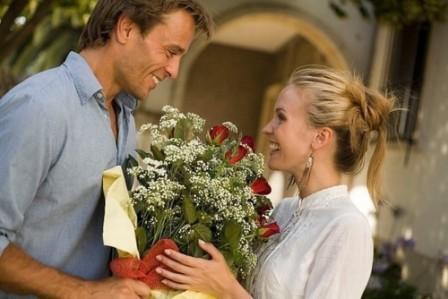 Какой цвет цветов дарят девушке