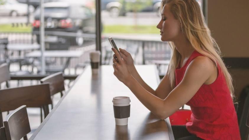 Почему девушка не отвечает на сообщения