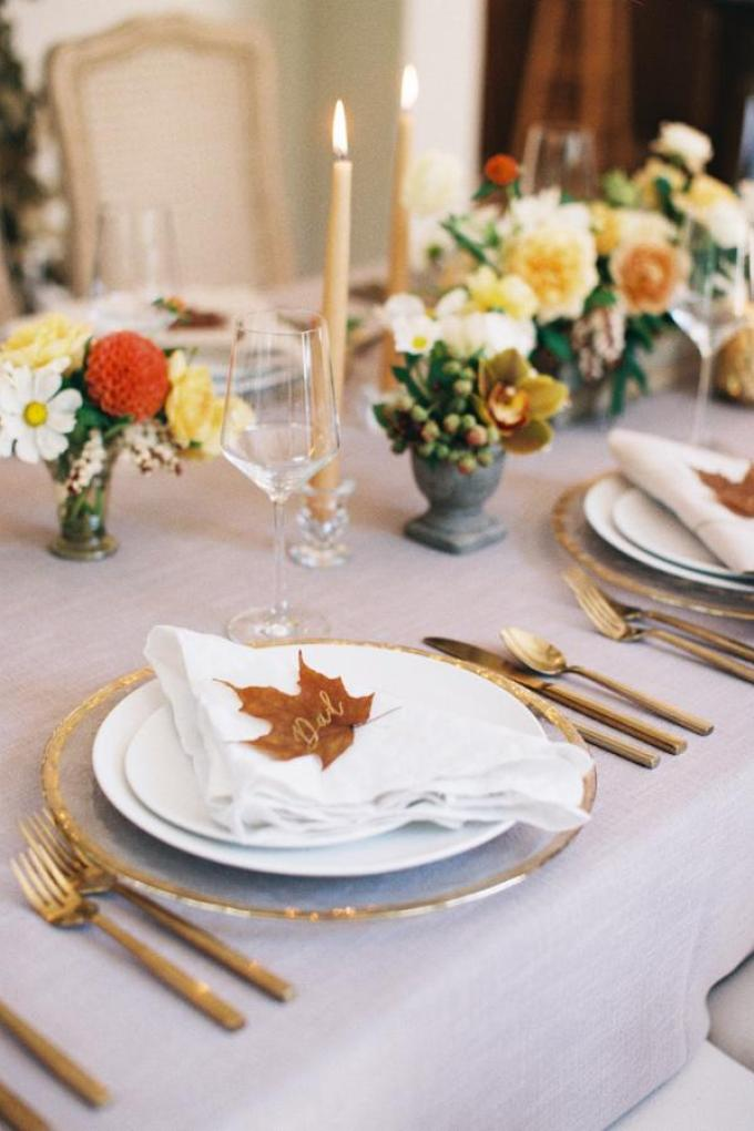 fall-colors-thanksgiving-tablescape