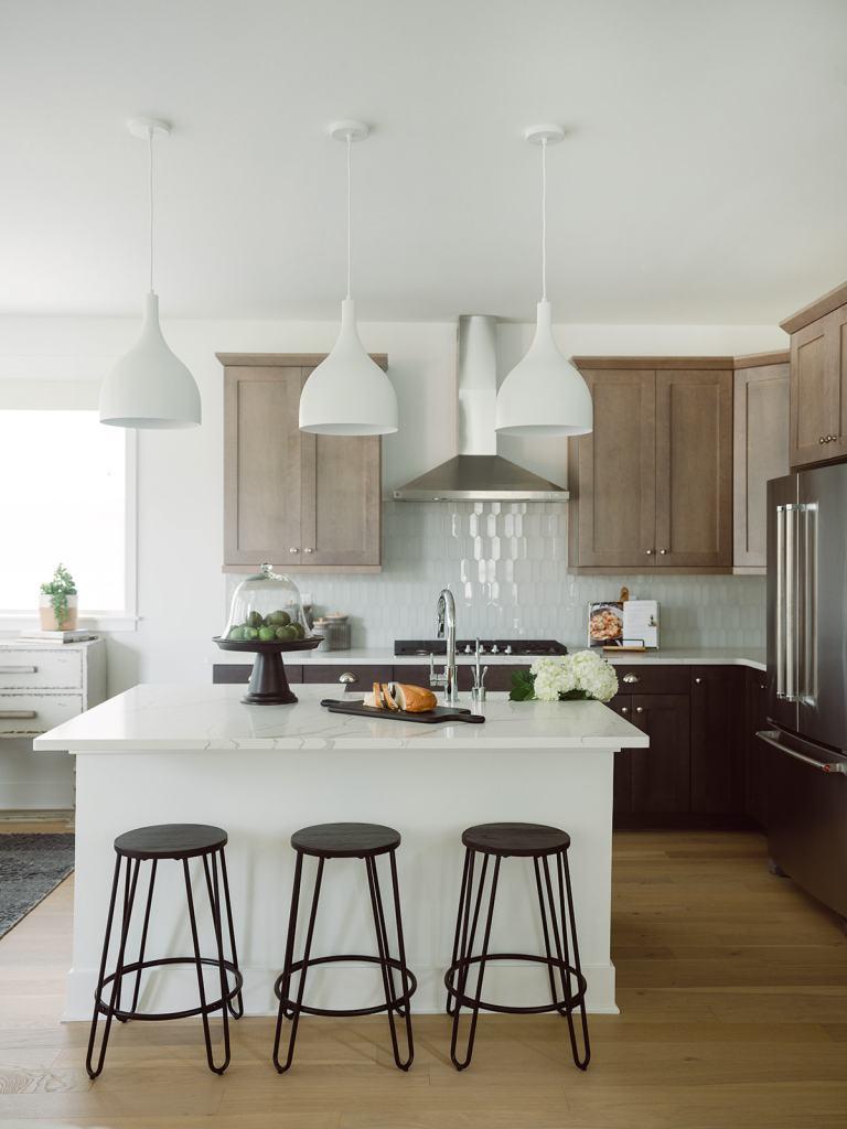 coastal modern kitchen