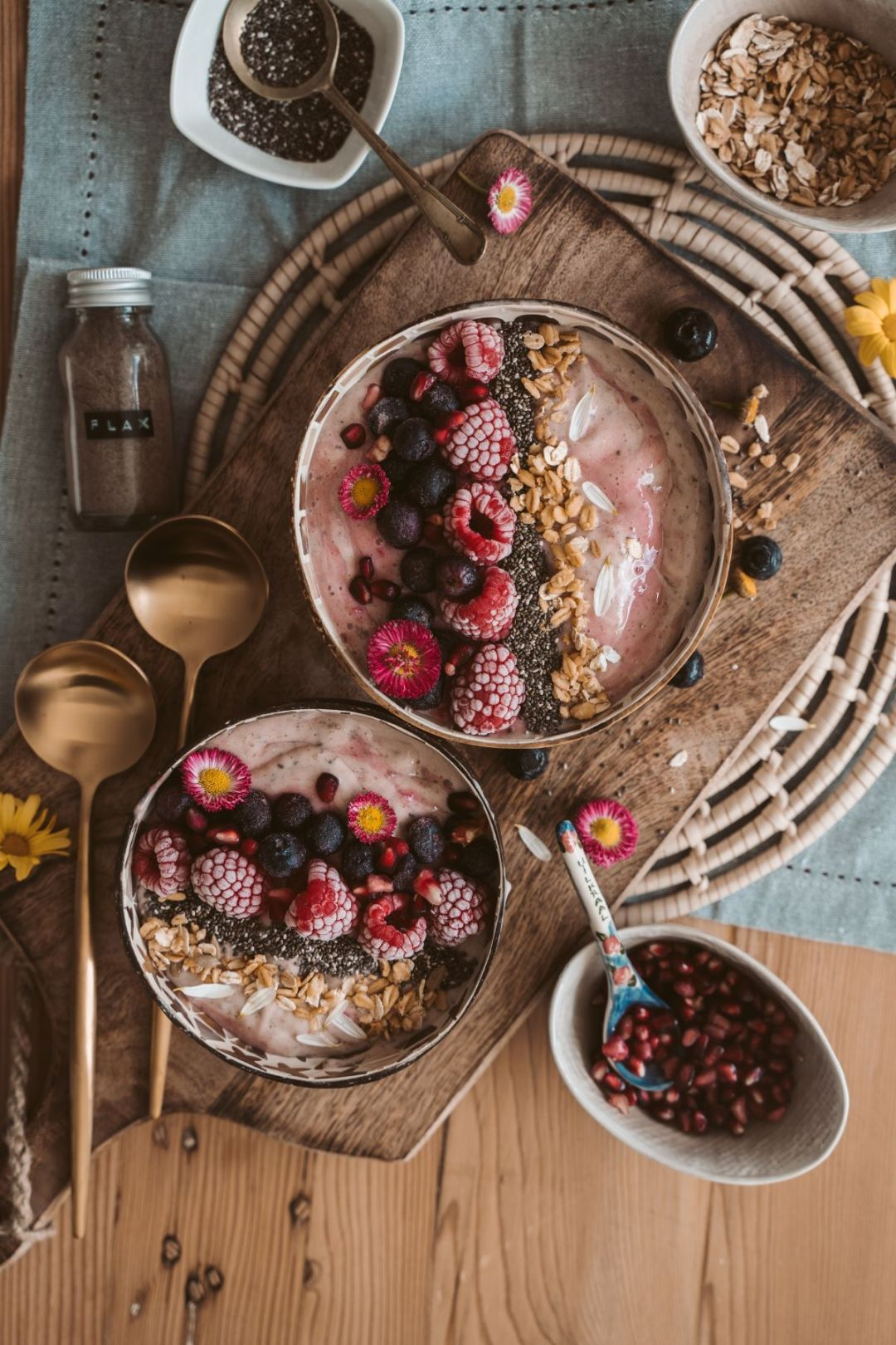 smoothie bowl for mother's day breakfast idea