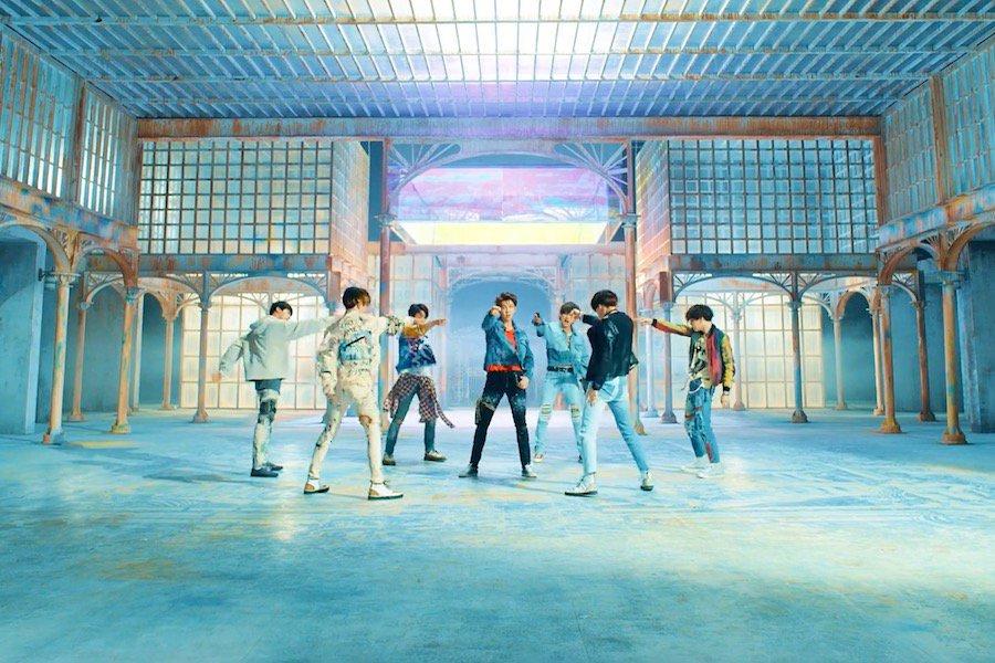 """فرقة BTS تسجل ارقامًا قياسية جديدة مع عودتها التاريخية """"Fake Love""""!"""