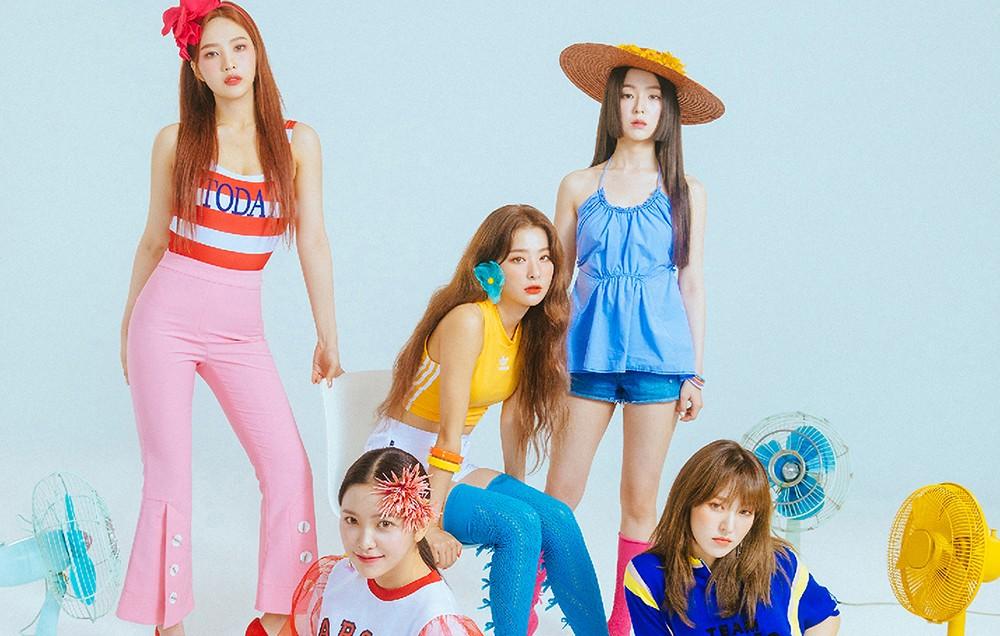 فرقة Red Velvet تكشف عن العضوة الأكثر ضعفًا تجاه حرارة المناخ المرتفعة!