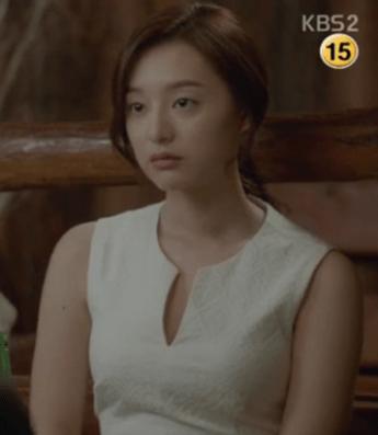 Kim Ji Won in Descendants Of The Sun Drama