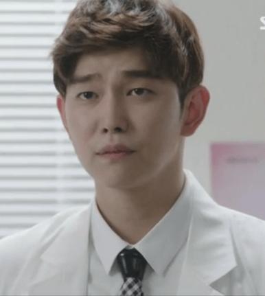 doctors_yoon_gyun_sang_ties_03