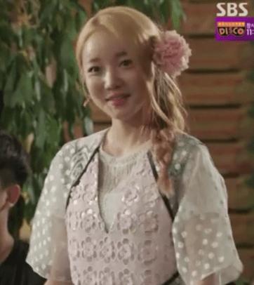 doctors_moon_ji_in_chun_soon_hee_1