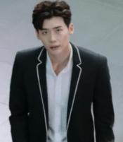 w_lee_jong_suk_suits_03